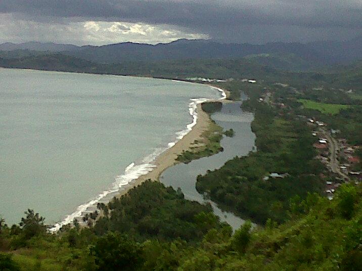 Berpetualang di bumi Sumatera Barat (1): Pantai Carocok, Painan (2/4)