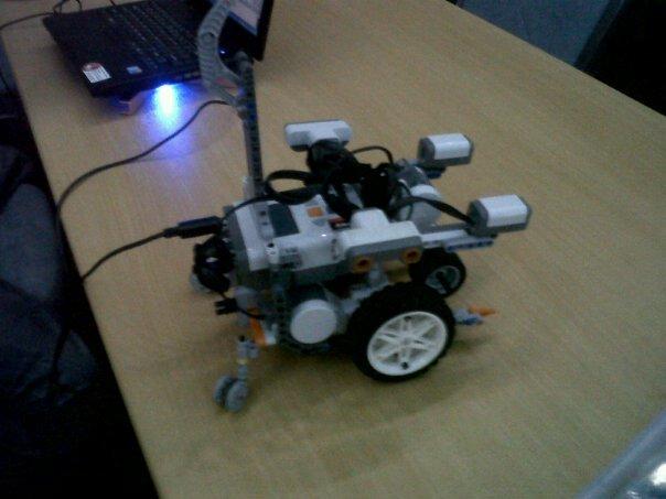 Pengalaman Mengikuti Indonesian Robotic Olympiad (IRO) 2011: Brain Machine (BM)-400 (6/6)
